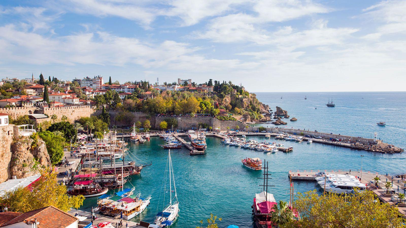 Antalya'da Araç Kiralamanın Tam Zamanı